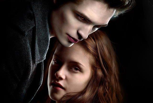 Kristen Stewart and Robert Pattinson in Twilight