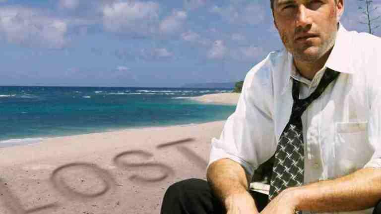 Jack (Matthew Fox) on the beach in Lost...