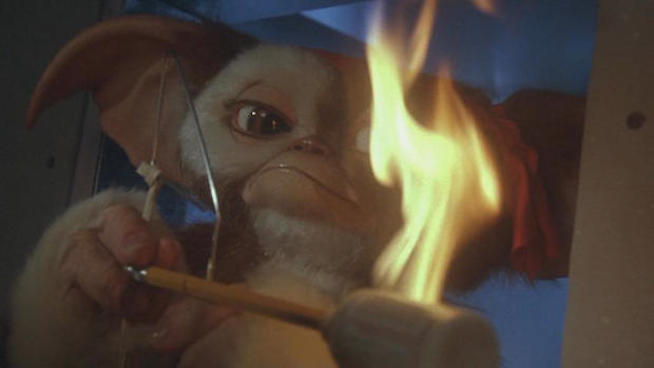 Gremlins 2: The New Batch - Gizmo as Rambo