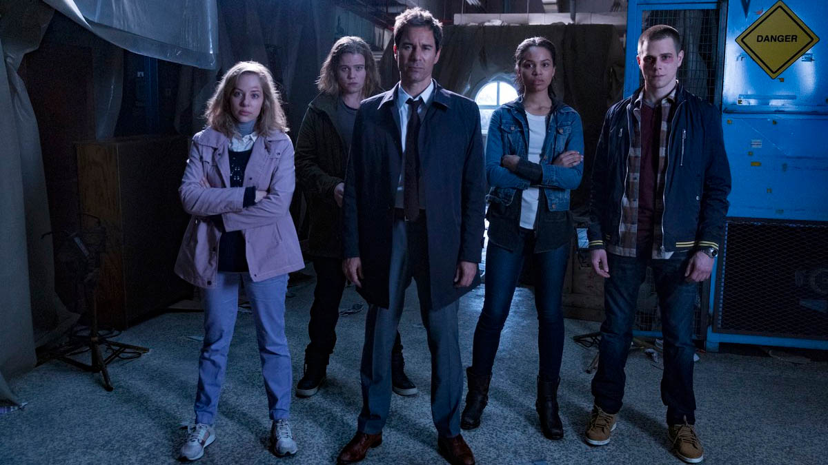 Travelers  Why You Should Watch Netflix U0026 39 S New Time Travel