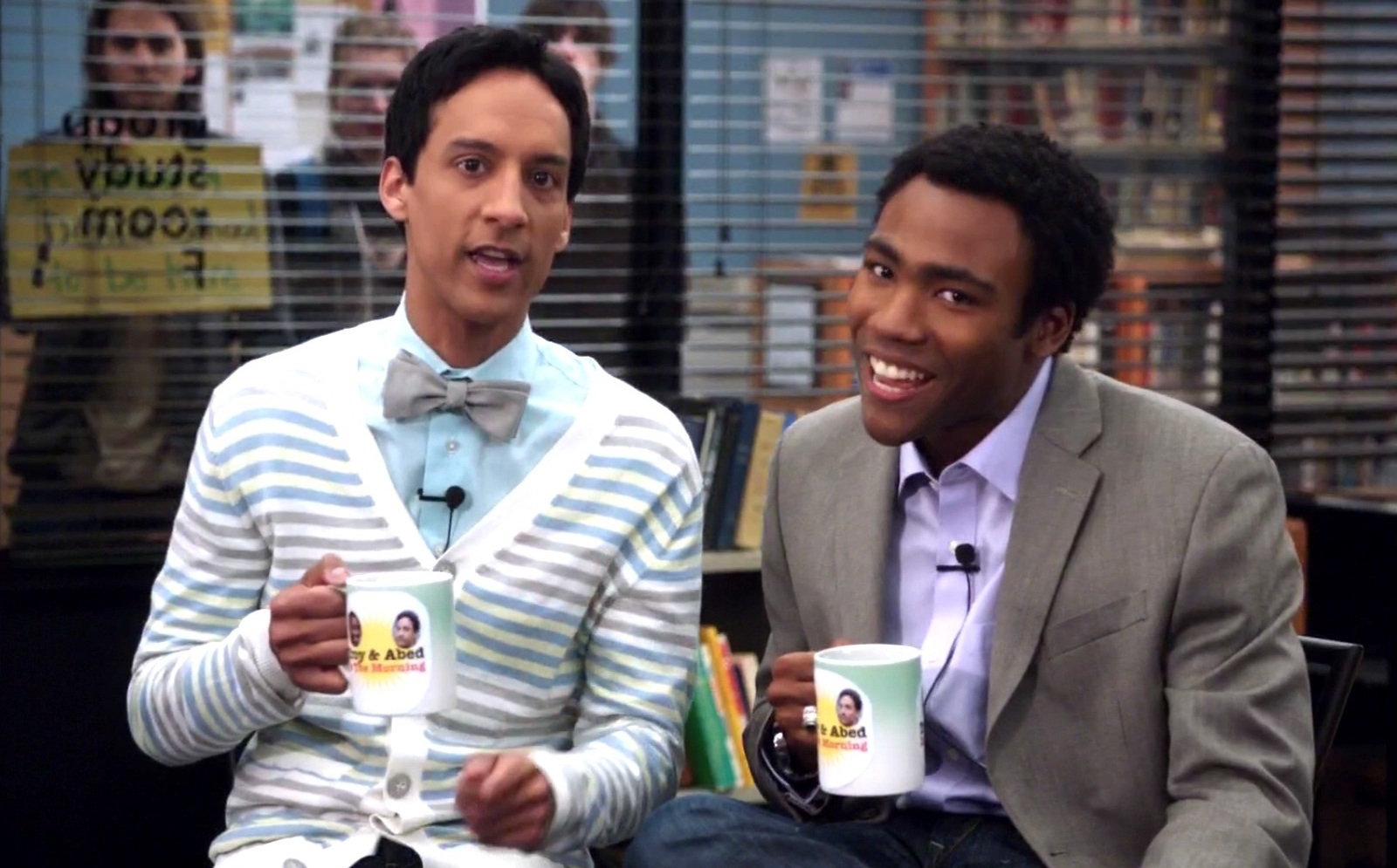 community reunion, <b> &#8216;Community&#8217; is reuniting online &#8211; and Donald Glover is onboard </b>