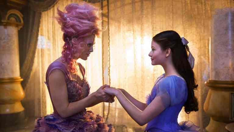 Keira Knightley and Mackenzie Foy in Nutcracker and the Four Realms