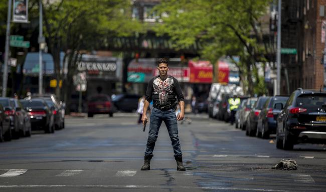 Jon Bernthal as Frank Castle in Marvel's The Punisher Season 2