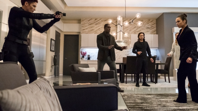 Supergirl Season 4 Episode 12: Menagerie