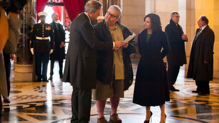 David Mandell working with the actors on the set of Veep