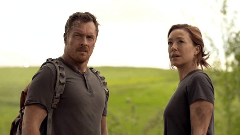 Lost in Space Toby Stephens Molly Parker