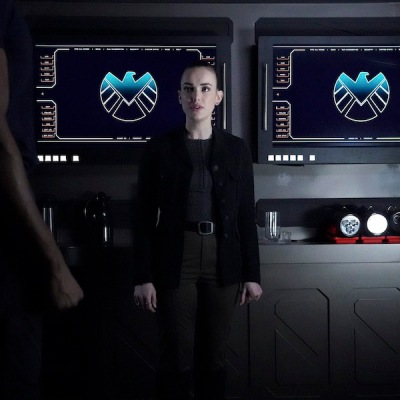 Elizabeth Henstridge as Simmons in Agents of SHIELD