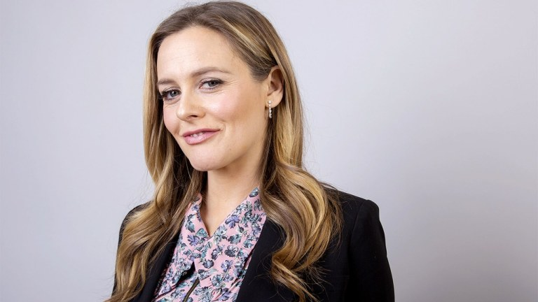 Netflix's Baby-Sitters Club Cast Member Alicia Silverstone