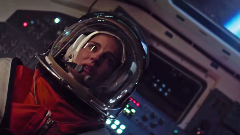 Lucy in the Sky Review Natalie Portman