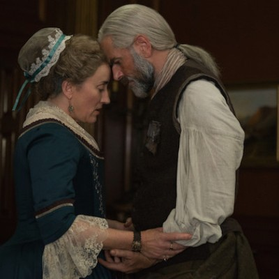 Maria Doyle Kennedy as Jocasta and Duncan Lacroix as Duncan in Outlander on Starz