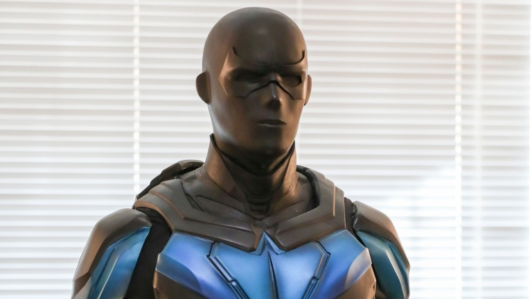 The Supersuit Costume for Nightwing in Titans on DC Universe