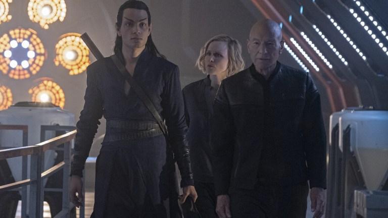Evan Evagora, Alison Pill and Patrick Stewart in Star Trek: Picard
