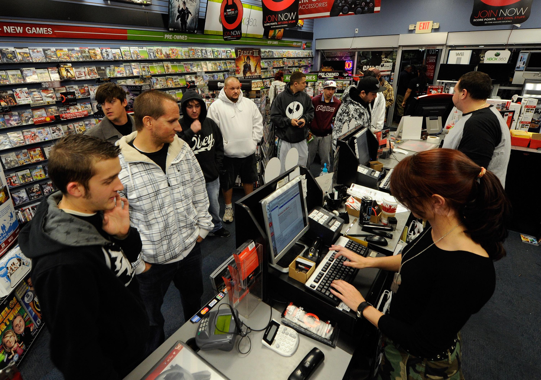 Gamestop Closes Stores To Customers Amid Coronavirus Emergency Den Of Geek