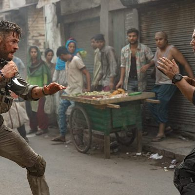 Chris Hemsworth in Extraction Fight Scene