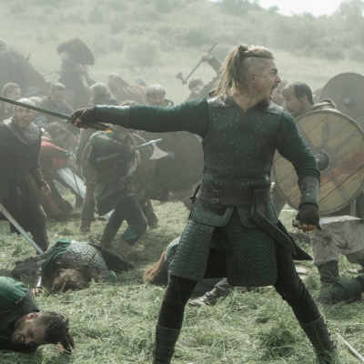 The Last Kingdom season 4 Uhtred in battle episode 4