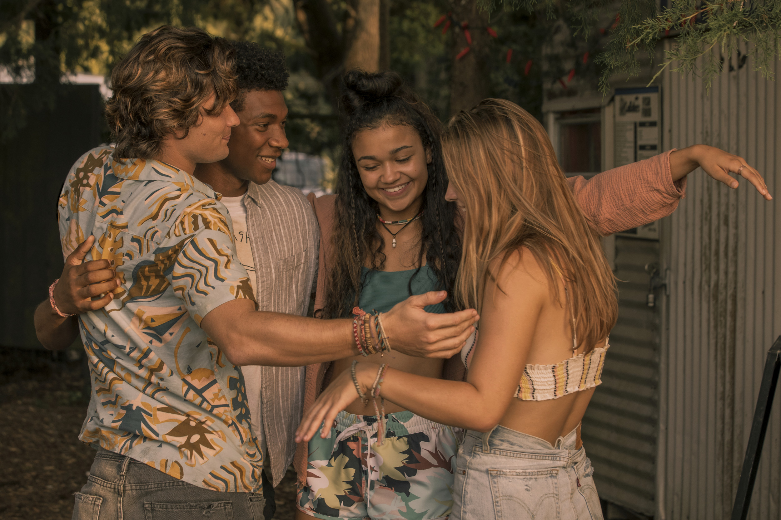 Outer Banks Cast Who Are The Stars Of Netflix S New Coming Of Age