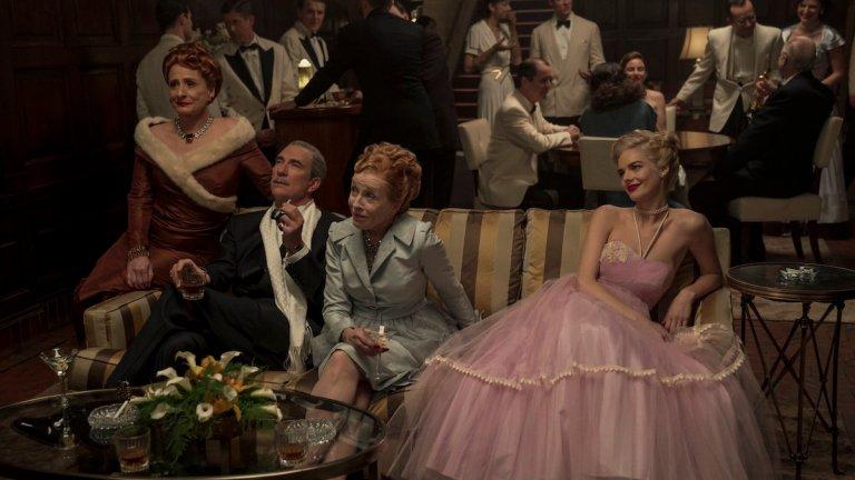 Dylan McDermott and Samara Weaving in Hollywood Ending