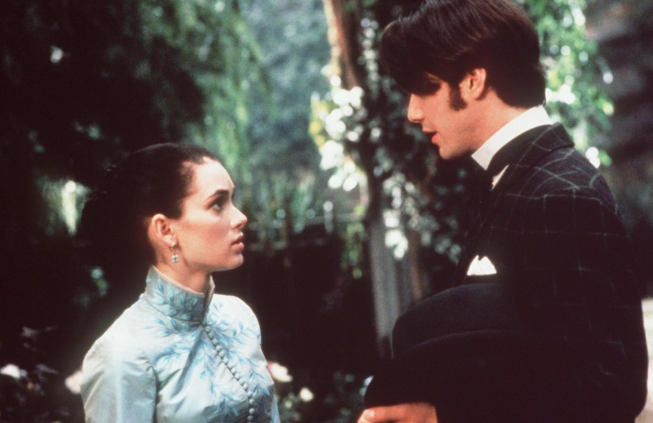 Winona Ryder Reveals Keanu Reeves Refused to Verbally Abuse Her in Bram Stoker's Dracula | Den of Geek