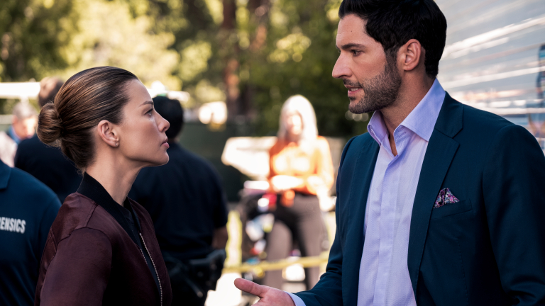 Lauren German as Chloe Decker and Tom Ellis as Lucifer in Lucifer