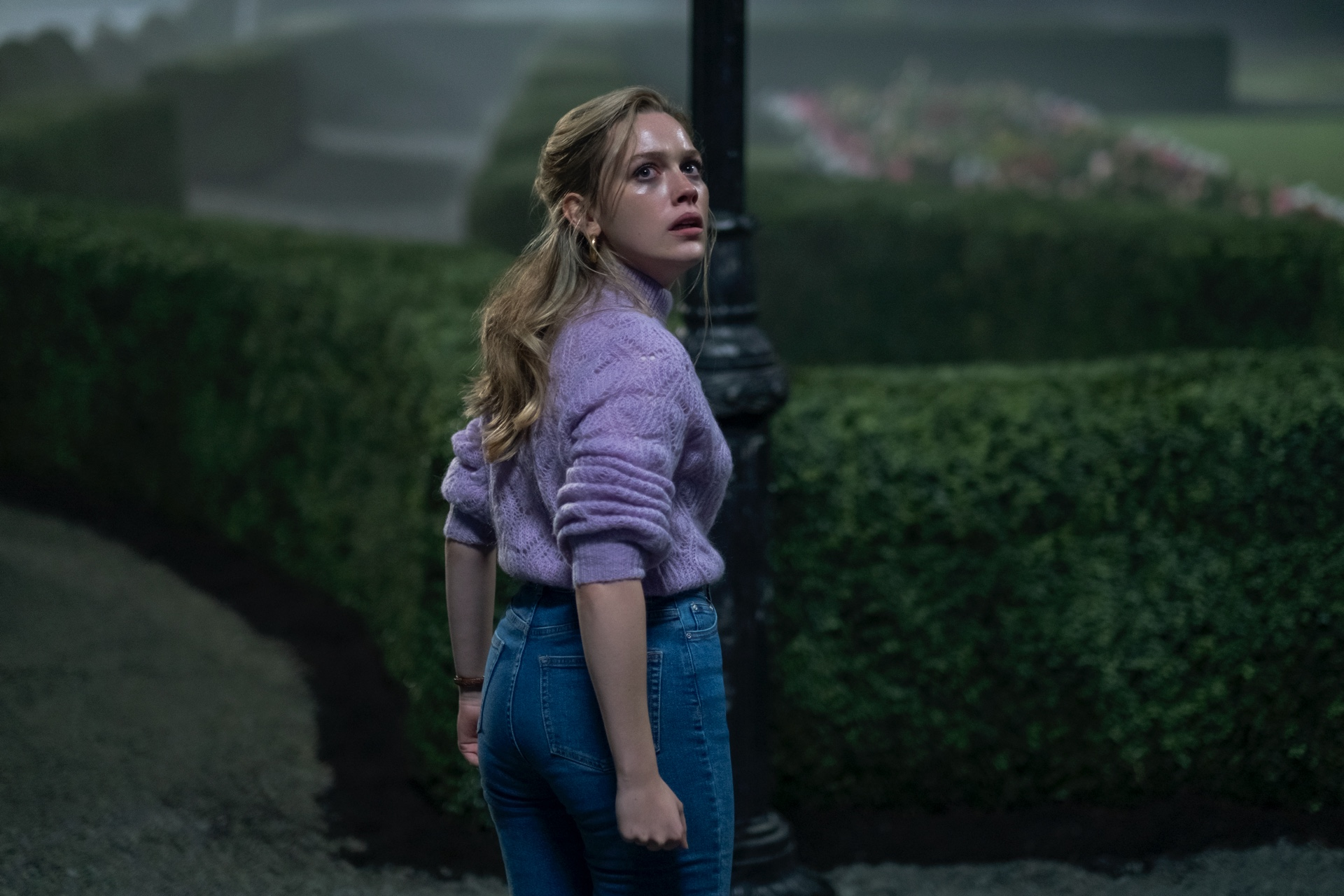 The Haunting Of Bly Manor Trailer Arrives To Mark The Beginning Of Spooky Season Den Of Geek