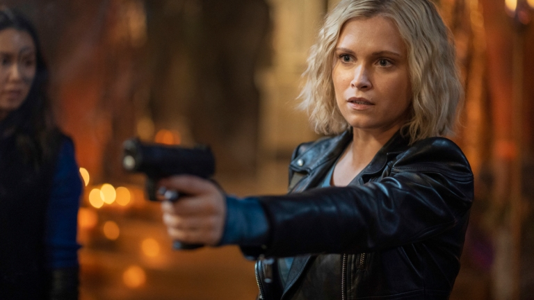 The 100 season 7 episode 13 review Blood Giant Clarge Griffin points a gun