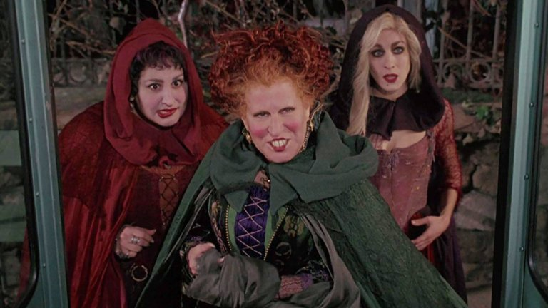 Kathy Najimy, Bette Middler, and Sarah Jessica Parker in Hocus Pocus