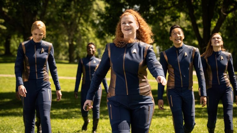 Tilly and the Discovery Crew Visit Earth in Star Trek: Discovery Season 3 Episode 3