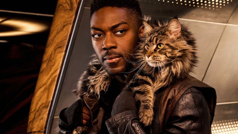 Book and Grudge the Cat in Star Trek: Discovery Season 3
