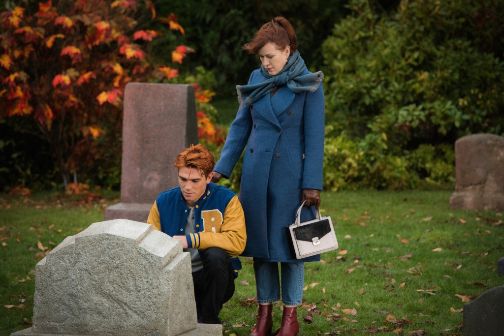 "Best Thanksgiving TV Episodes - Riverdale ""The Ice Storm"""