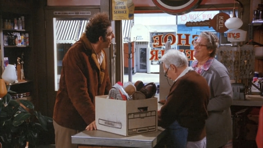 "Best Thanksgiving TV Episodes - Seinfeld ""The Mom and Pop Store"""