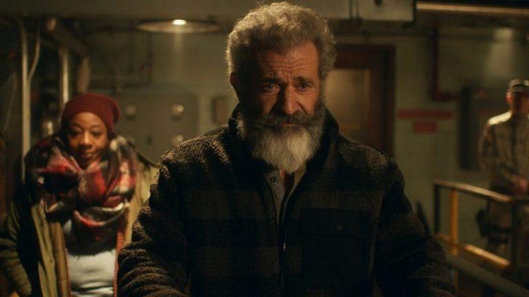 Mel Gibson and Marianne Jean-Baptiste in Fatman