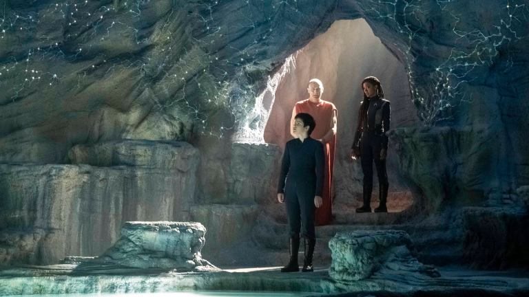 Adira and Michael Enter the Caves of Mak'ala in Star Trek: Discovery