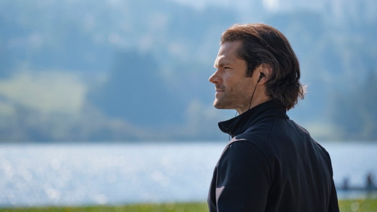 Sam Stares Off into the Distance in the Supernatural Series Finale