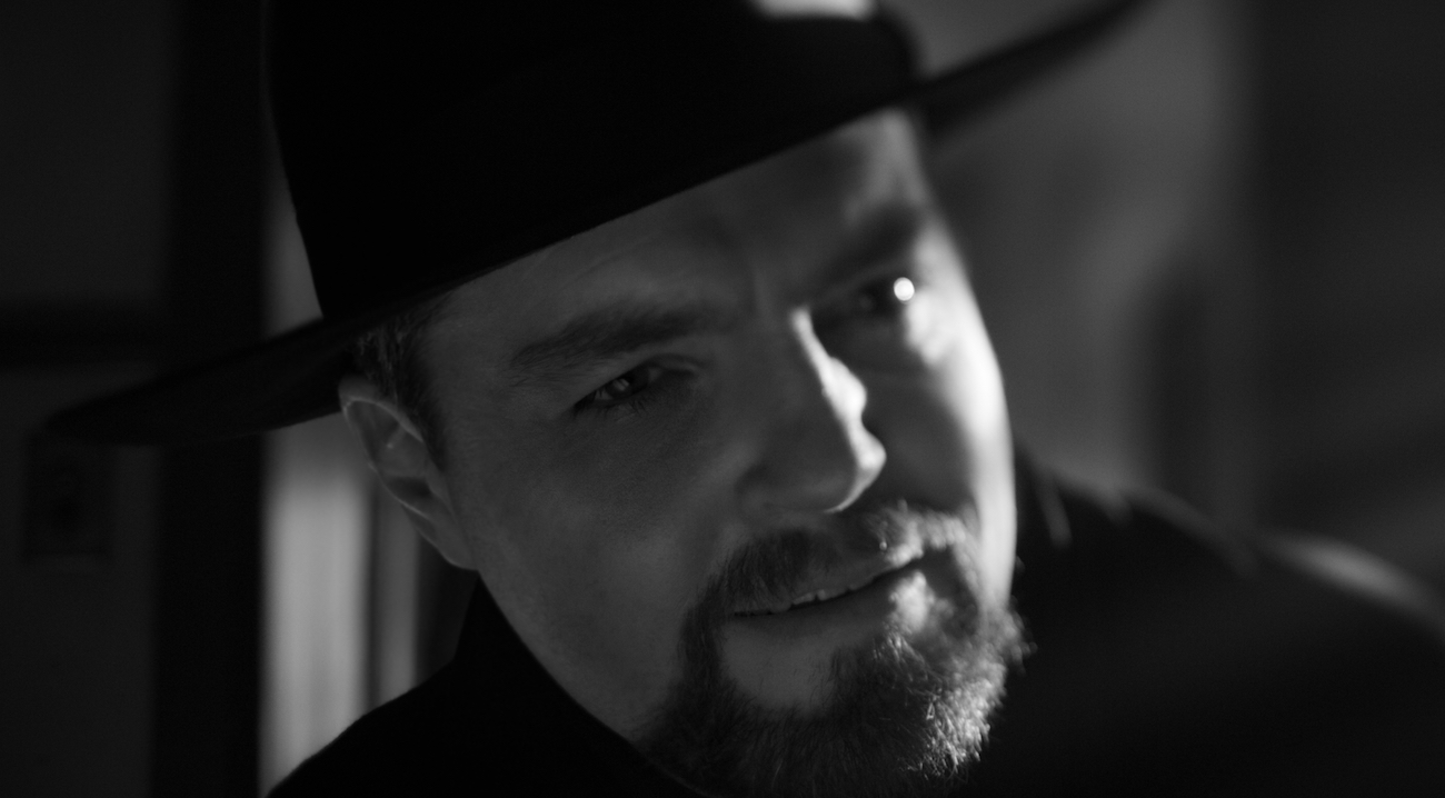 Tom-Burke-as-Orson-Welles-in-Mank.jpeg?f