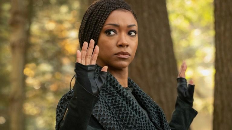 Michael Burnham With Her Hands Up in Star Trek: Discovery Season 3