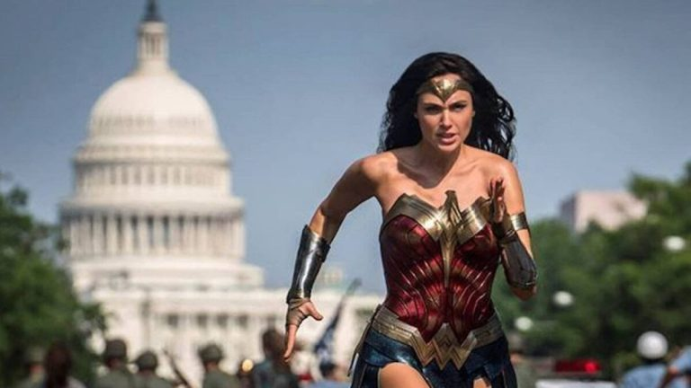Gal Gadot Runs With the White House in the Background in Wonder Woman 1984