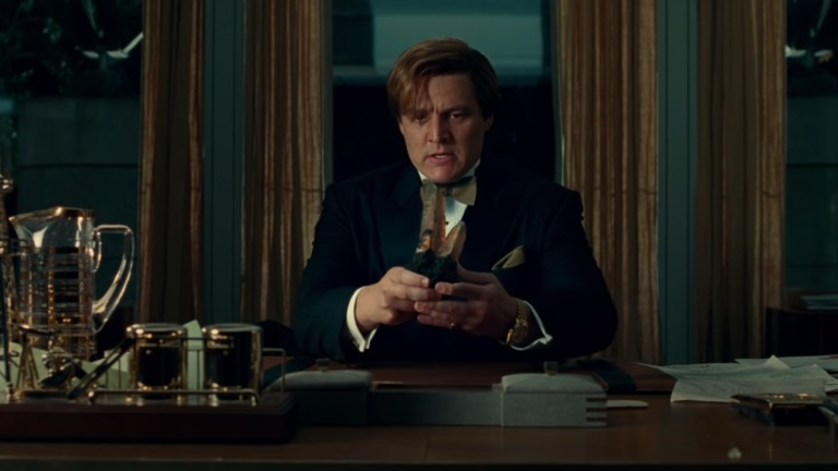 Pedro Pascal as Maxwell Lord with Dreamstone in Wonder Woman 1984