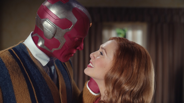 An Image Of Paul Bettany And Elizabeth Olsen In WandaVision