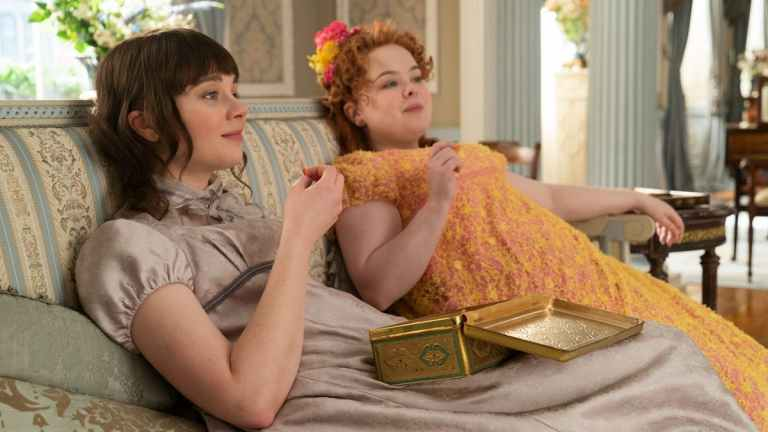 Best Friends Eloise and Penelope in Bridgerton
