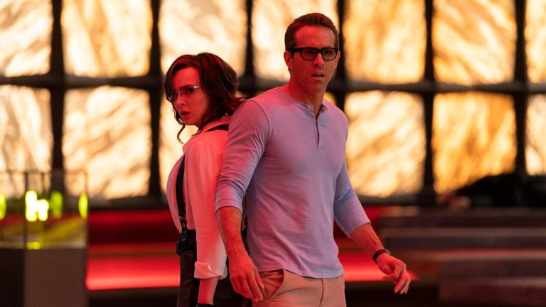 Jodie Comer and Ryan Reynolds in Free Guy