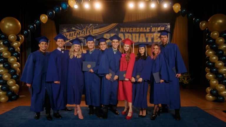 The Cast of Riverdale in graduation caps and gowns in Season 5 Episode 3