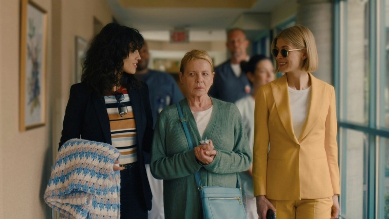 Diane Wiest with Rosamund Pike and Eiza González in I Care A Lot