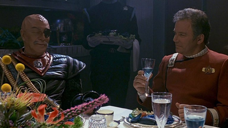 William Shatner as Captain Kirk and Christopher Plummer as General Chang in Star Trek VI: The Undiscovered Country