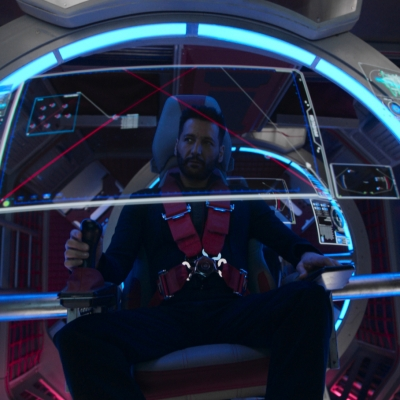 Alex Kamal piloting the Razorback in The Expanse