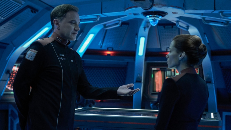 Sauveterre takes Babbage's jewelry in The Expanse