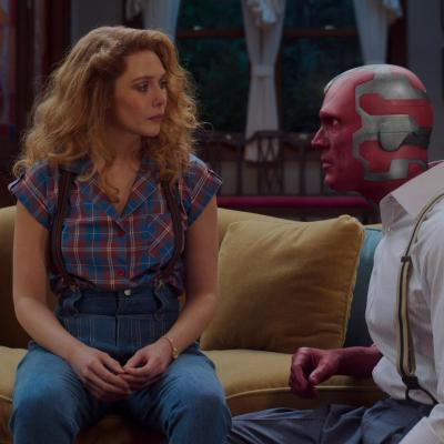 Wanda (Elizabeth Olsen) and Vision (Paul Bettany) in WandaVision