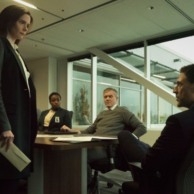 Bitsie Tulloch as Lois Lane and Adam Rayner as Morgan Edge in Superman & Lois Episode 2