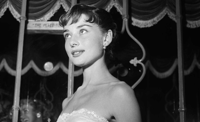 Audrey Hepburn: The Secret WW2 History ...