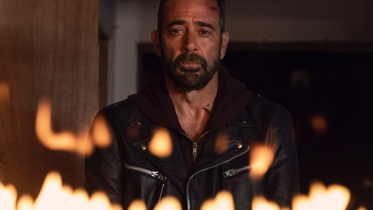 "Negan (Jeffrey Dean Morgan) in The Walking Dead ""Here's Nega"""