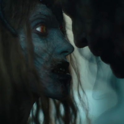 Army of the Dead trailer kiss.